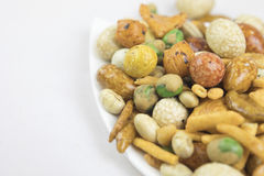 Petiscos misturados arroz, porcas e feijões verdes secados Imagens de Stock
