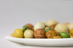 Petiscos misturados, porcas e feijões verdes salgados Foto de Stock