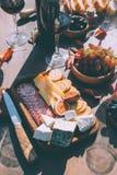Petiscos para o vinho tinto Foto de Stock Royalty Free