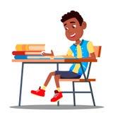 Petit élève à un livre de lecture de bureau dans le vecteur de salle de classe Noir, afro-américain Illustration d'isolement illustration de vecteur