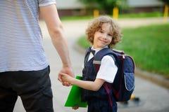Petit étudiant mignon d'école primaire Image libre de droits