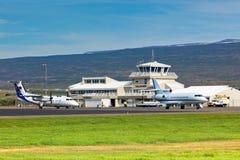 Petit aéroport local dans Egilsstadir, Islande du nord Images libres de droits