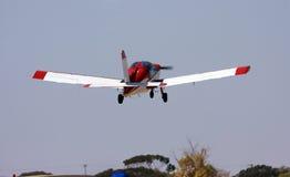 Petit avion rouge images stock