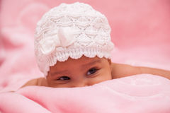 Petit bébé adorable d'afro-américain Photographie stock libre de droits
