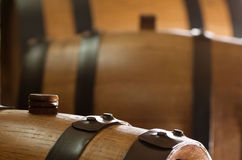 Petit baril de vin de chêne image libre de droits