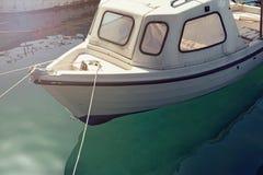 Petit bateau au pilier Image libre de droits