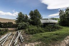 Petit bateau dans la campagne Photo libre de droits