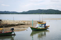 Petit bateau de pêche Images libres de droits