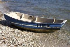 Petit bateau en bois Photos stock