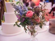 Petit bouquet des fleurs Photographie stock libre de droits