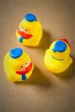 Petit canard en caoutchouc du caneton trois Images stock