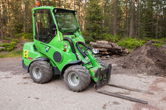 Petit chariot élévateur vert Avant 635 Image stock