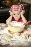 Petit chef dans la cuisine Photo libre de droits
