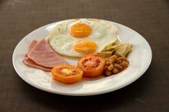 Petit déjeuner américain avec l'oeuf au plat Image libre de droits