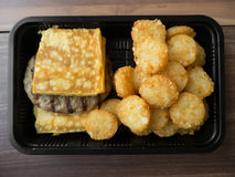 Petit déjeuner américain de nourriture industrielle malsain Photos stock