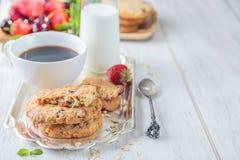 Petit déjeuner avec du lait Image stock