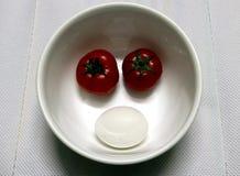Petit déjeuner avec et oeuf et tomates Photographie stock