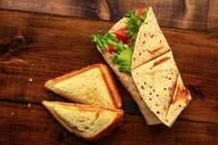 Petit déjeuner avec le sandwich Photos stock
