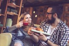 Petit déjeuner dans un café Image libre de droits