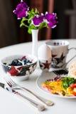 Petit déjeuner de matin Photographie stock libre de droits