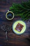 Petit déjeuner de pays avec la tarte aux noix de pécan Photos stock