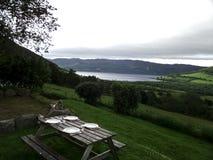Petit déjeuner de pique-nique à côté du lac loch Ness Photos stock