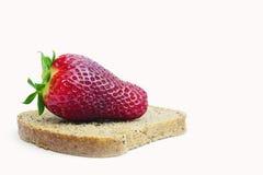 Petit déjeuner de régime de pain et de la fraise Image libre de droits