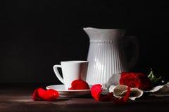 Petit déjeuner de romance de début de la matinée Photos stock