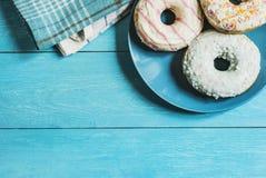 Petit déjeuner doux sur la table Image libre de droits