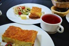 Petit déjeuner lumineux et sain juteux Image libre de droits