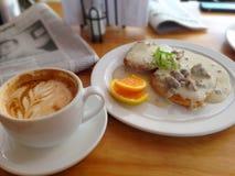 Petit déjeuner pendant le matin Image libre de droits