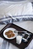 Petit déjeuner pour une personne paresseuse Photos libres de droits