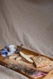 Petit déjeuner se composant du pain et du lait Photo stock