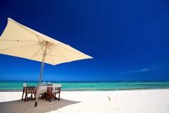 Petit déjeuner sur l'île tropicale Image stock