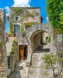 Petit et pittoresque village de Labro, dans la province de Rieti, Latium, Italie centrale images stock