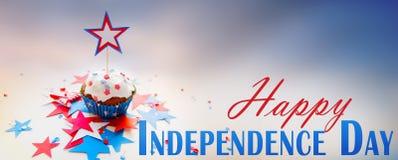 Petit gâteau avec l'étoile le Jour de la Déclaration d'Indépendance américain Image libre de droits