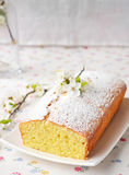 Petit gâteau avec le fromage blanc Photos libres de droits