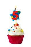 Petit gâteau du numéro cinq photo libre de droits