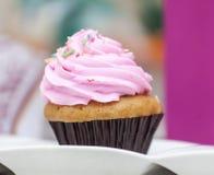 Petit gâteau fait maison Photo libre de droits