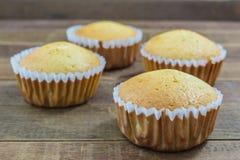 Petit gâteau fait maison de vanille Photographie stock