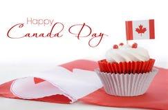 Petit gâteau heureux de jour de Canada Photo stock
