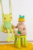 Petit garçon avec le jouet de nounours Photographie stock libre de droits