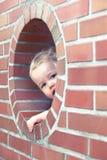 Petit garçon curieux Images libres de droits