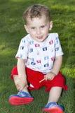 Petit garçon 2 d'yeux bleus Image libre de droits