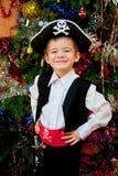 Petit garçon dans le procès du pirate Images stock