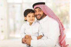 Petit garçon de père musulman Photographie stock
