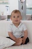 Petit garçon en bonne santé heureux mignon photo libre de droits