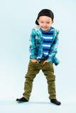 Petit garçon espiègle Image libre de droits
