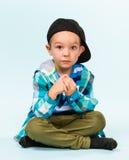 Petit garçon espiègle Photos stock