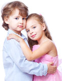 Petit garçon et fille dans l'amour Photographie stock